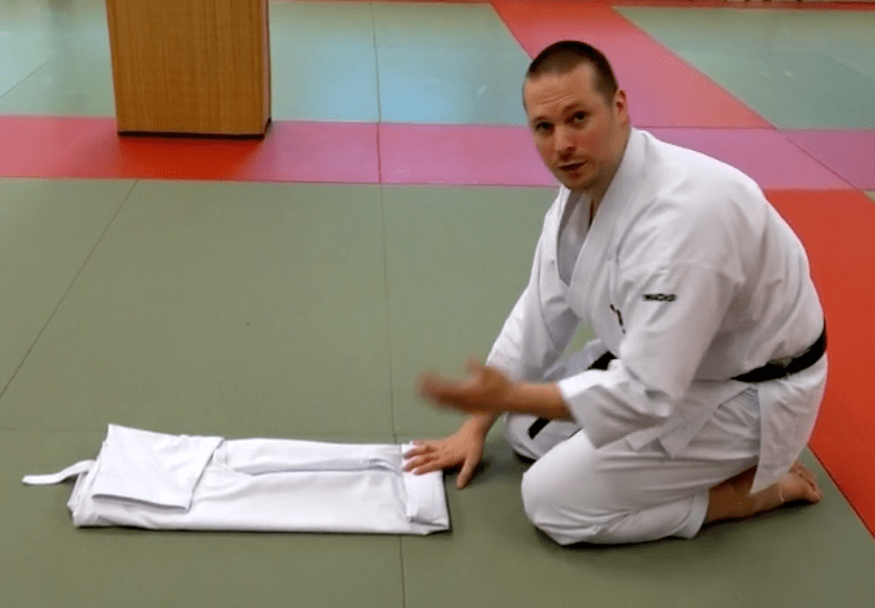 how to fold your karate gi the japanese way
